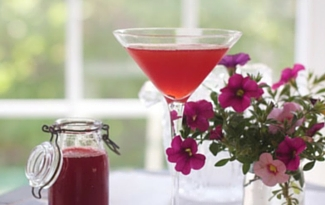 Recipe: Strawberry Martinis by Angela Roberts at Spinach Tiger